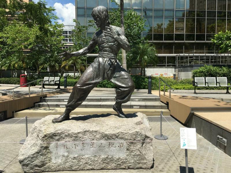 ブルース・リーの銅像